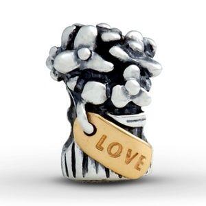 Pandora love bouquet charm
