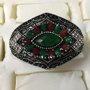 Antique Silver Stunning Daisy Rhinestone Bracelet