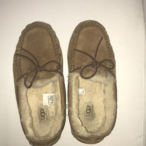Perfect condition ugg moccasins