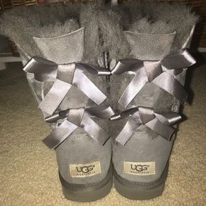 Bailey Bow Uggs Grey