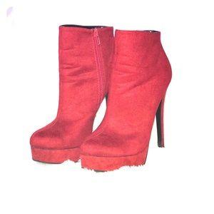 RED HOT ankle platform bootie!! ❣️🔥
