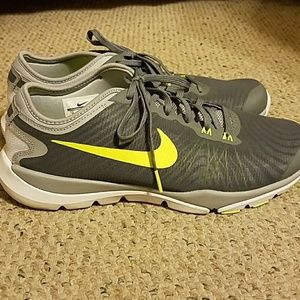 Nike Womens Flex Supreme TR4 Grey and Neon Yellow