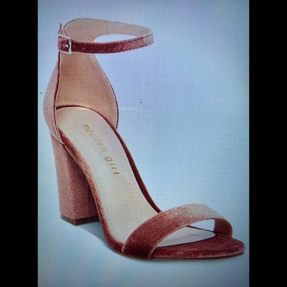 2e97cb8f36e NWT Madden Girl Blush Velvet Block Heel Sandals