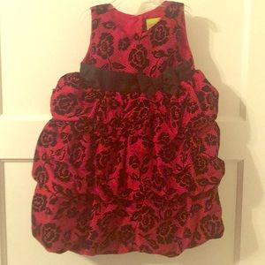 Beautiful toddler girls holiday dress.