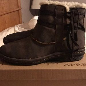 Après by Lamo Woman's Ankle Boot Size 7