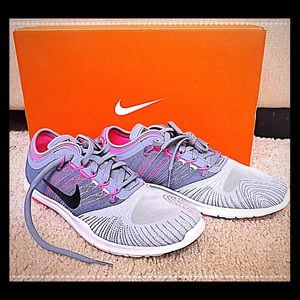 BRANDNEW! Pink, grey Nike Flex TR training sneaker