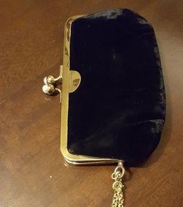 MM Velvet Wristlet w Gold Chain