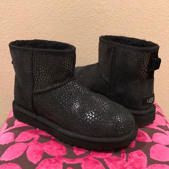 5bae7be68a8 UGG Classic Mini Glitzy