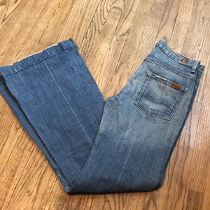 7 for all mankind Ginger Flare size 27 Jeans😍