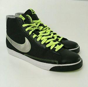 Nike Blazer mid black metallic silver volt white