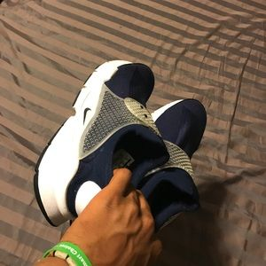 Nike sockdart low.