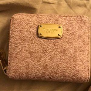 Michael Kors mini wallet ✨