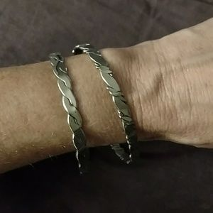 Bangle bracelts