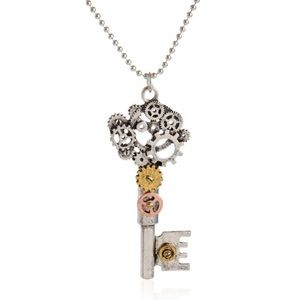 🔑 New list! 🔑 Steampunk key necklace!