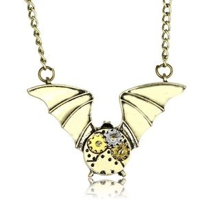 🦇 New list! 🦇 Winged steampunk necklace