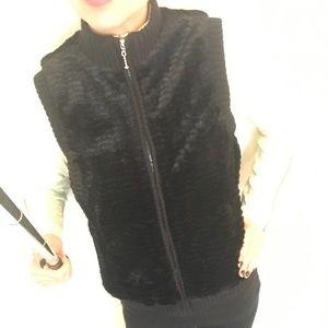 Black Faux Fur Zip-up Vest