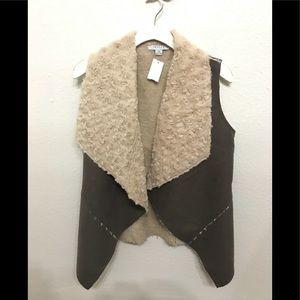 Taupe vest