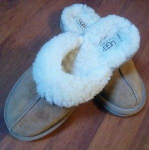 Ugg slippers size USA 7, EU 37-37,5