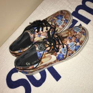 Nike Janoski digi floral blue Size 11