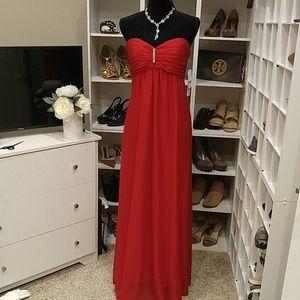 NWT ONYX NITE RED STRAPLESS CHIFFON DRESS 8