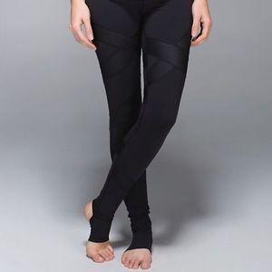 Lululemon stirrup yoga pants
