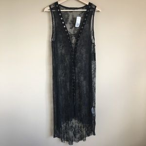 NWT Forever 21 Contemporary lace dress
