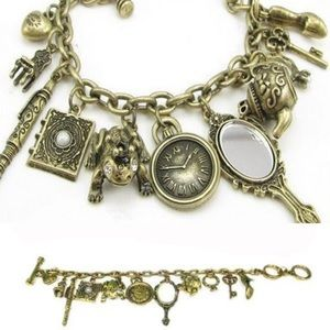 🎀New list! 🎀 Super cute charm bracelet!