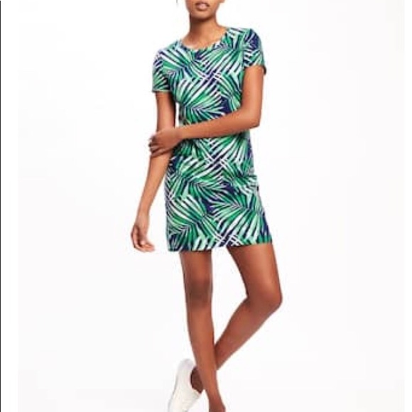 6e26aff69add0 Old Navy palm leaf bodycon tshirt dress. M_5a1933344127d0526100225f