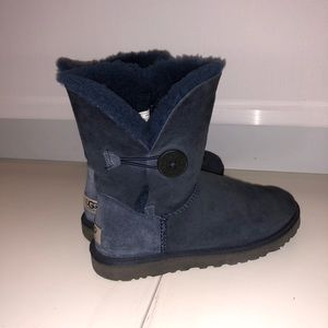 Ugg button boot (women's)