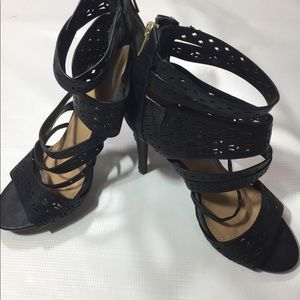 Beautiful black heels 👠 absolutely gorgeous new