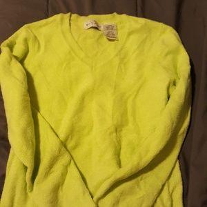 Fuzzy stretch shirt