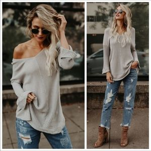 Tops - Stunning, sexy Knit Sweater