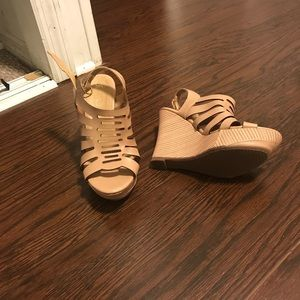 Shoes - Wedges nude
