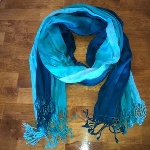 Accessories - NWOT Scarf Lots of Shades of Blue with Tassels