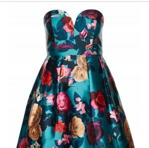 Dresses & Skirts - City Chic floral dress