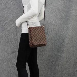 Louis Vuitton musette crossbody