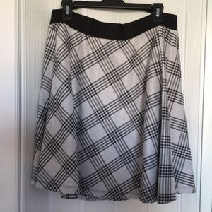 Torrid black and gray skirt