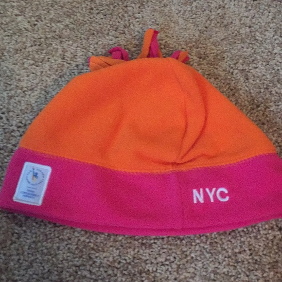 3a60218e96e Accessories - NYC Dunkin Donut winter hat