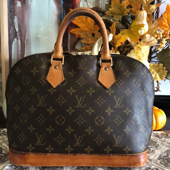 a1643b774f17 Louis Vuitton Handbags - 🎄CHRISTMAS SALE🎄AUTHENTIC LOUIS VUITTON ALMA PM