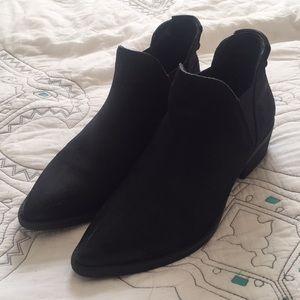 8f4448797d4 Steve Madden Shoes - S t e v e M a d d e n • Ayce bootie black