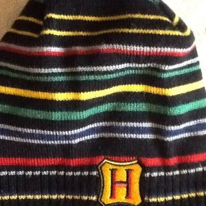 888a209bf58 Harry Potter Accessories - Harry Potter Hogwarts beanie New
