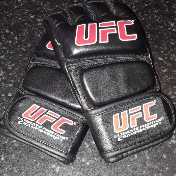 UFC MMA Training Glove Large XL kids young adult