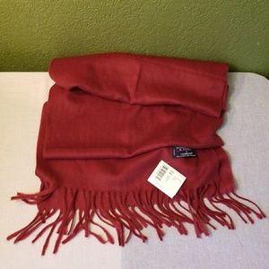 Roundtree  and Yorke scarf.