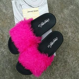 Jeffrey Campbell fuscia slides  (9)