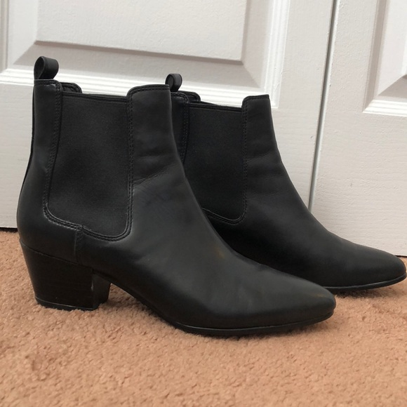 6b3dfbec754e Sam Edelman Reesa black leather ankle boot booties.  M 5a19bcca41b4e0c93c01d23d