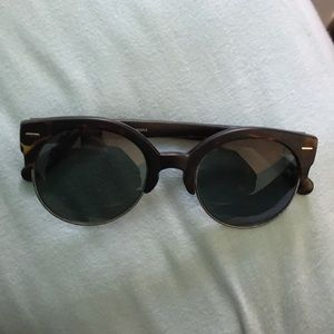 brown and black turtle shell sunglasses