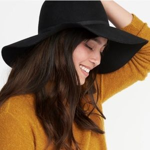 Black flappy hat