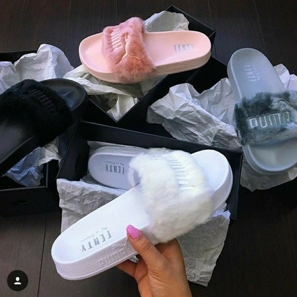 sports shoes 3f084 13699 Fenty fluffy slippers