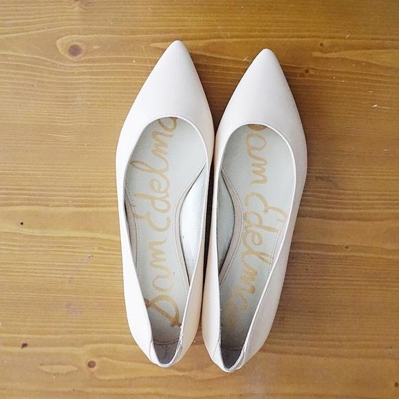 bd63421c5 Sam Edelman Blush Nude Rae Pointed Toe Flats. M 5a19c9d66d64bcfc2d0216a5
