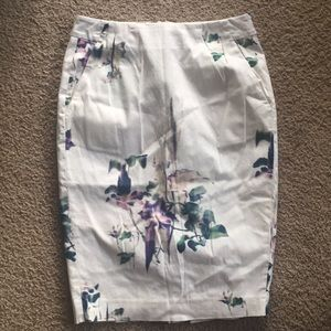 Size 4 French Connection floral dress!